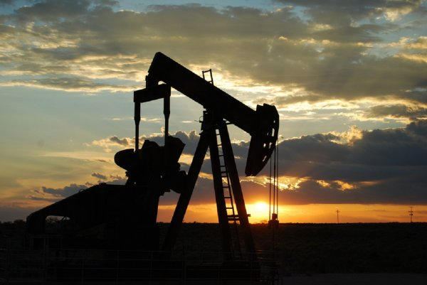 Эксперты не прогнозируют существенного роста запасов нефти в США