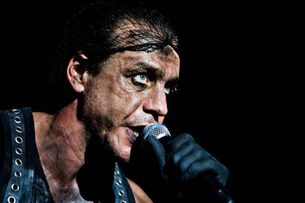 На шоу лидера Rammstein в России впервые будут использовать систему предотвращения съемки
