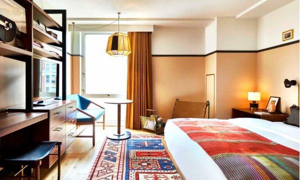 В Вашингтоне открылся первый «антитрамповский» отель