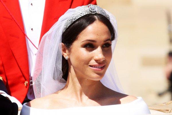 Принцесса Евгения рискует здоровьем, чтобы на своей свадьбе превзойти Меган Маркл