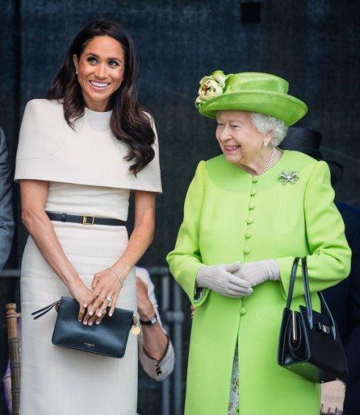 Королева Елизавета II вмешается в скандал между Меган Маркл и Кейт Миддлтон – источник