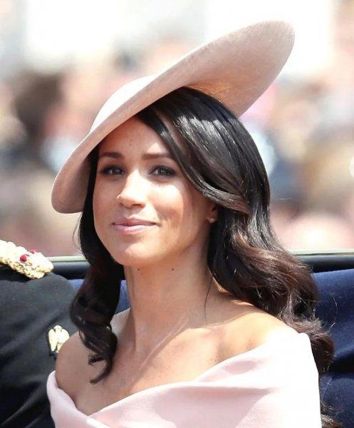 «Герцогиня в бешенстве!»: Ребенок Меган Маркл не будет иметь королевских обязанностей - эксперт
