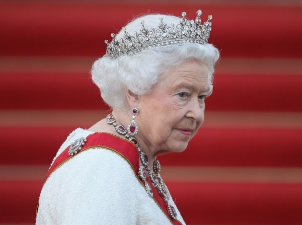 Свадьбы не будет: Принцесса Беатрис разорвала отношения с миллионером из-за королевы - СМИ