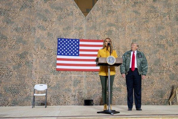 «Американская королева и его первая леди»: Американцы недовольны поездкой Трампа в Асад на Рождество