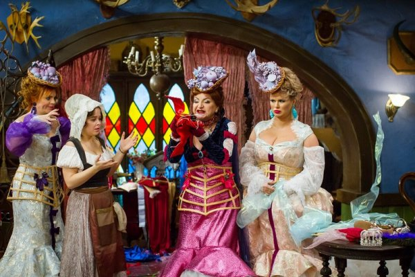 Злую мачеху в новогоднем мюзикле сыграла похудевшая Елена Степаненко