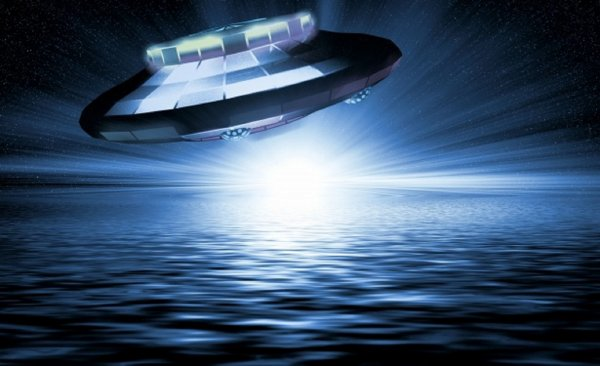 В США опять зафиксировали треугольный НЛО возле военной базы