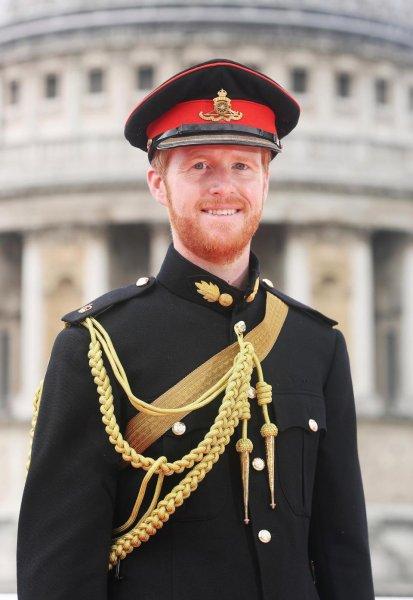 СМИ: Двойник принца Гарри зарабатывает 1300 долларов в час