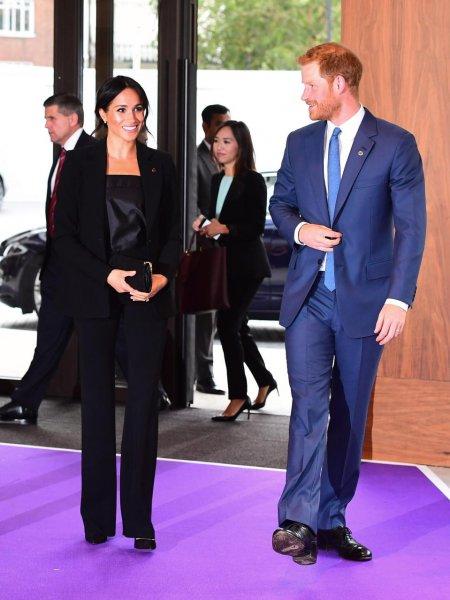 Без сигарет, алкоголя, чая и кофе: Принц Гарри изменился ради Меган Маркл