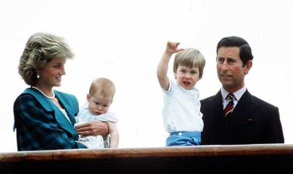 Принц Чарльз запретил принцессе Диане рожать много детей – биограф