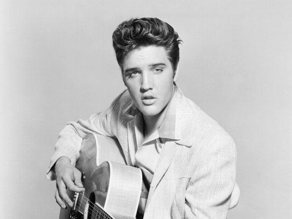 «Он жив!»: Найдено доказательство инсценировки смерти Элвиса Пресли