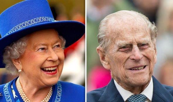 «Любовь с первого взгляда!»: Биографы рассказали, за что королева Елизавета полюбила принца Филиппа