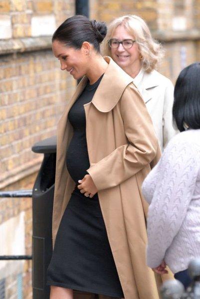 «Принц в восторге!»: Букмекеры предсказывают, что Меган Маркл родит девочку – СМИ