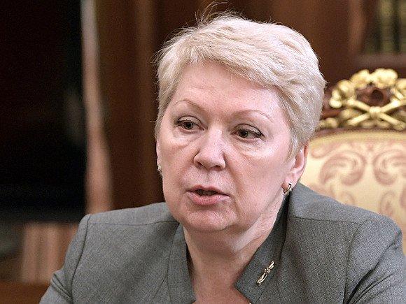 Путин указал Васильевой на необходимость следить за уровнем заработной платы учителей в регионах