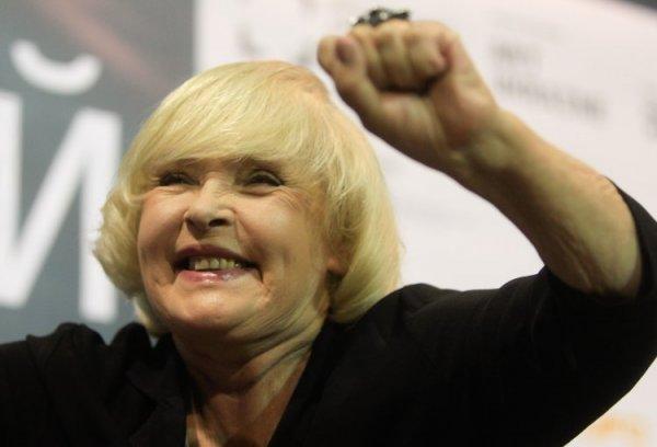 «Голос из-под шконки»: Россияне предложили лишить Аду Роговцеву звания Народной артистки СССР