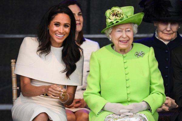 Нужен «Оскар»: Меган Маркл копирует британский акцент, чтобы угодить королеве