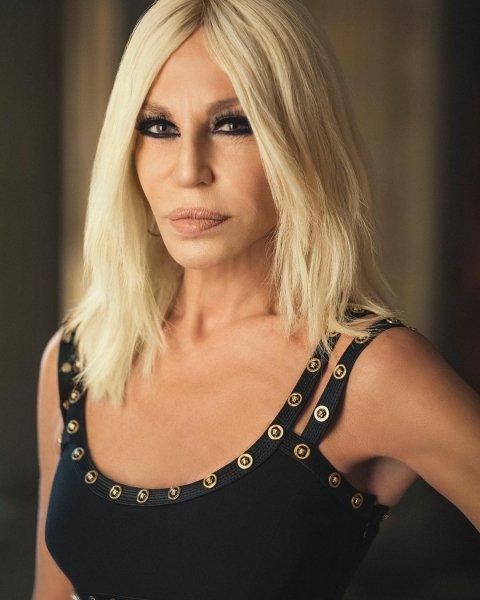 63-летняя Донателла Версаче призналась, что никогда не откажется от мини-платьев