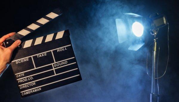 «Не стыдно детям показать»: Британки снимут порно-фильм для несовершеннолетних