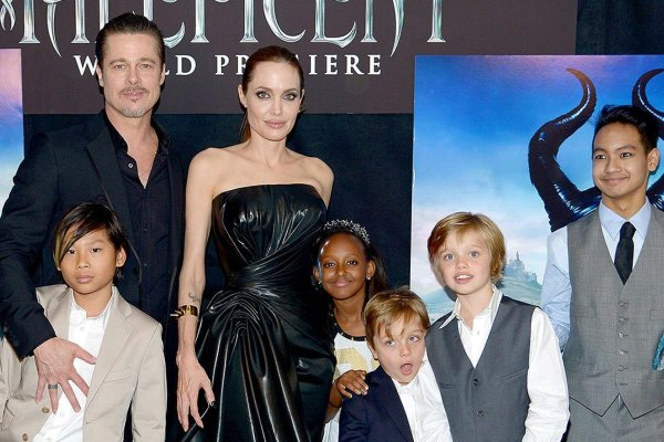 Дети поражены: Брэд Питт стал увлекаться иудаизмом после скандального развода с Джоли