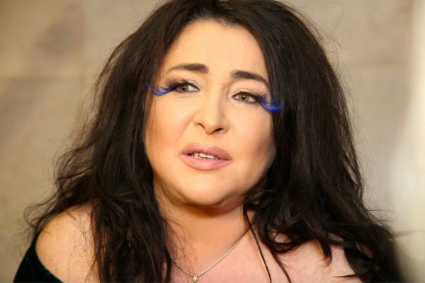 Теряла сознание: Лолите Милявской после концерта в Ростове вызвали скорую