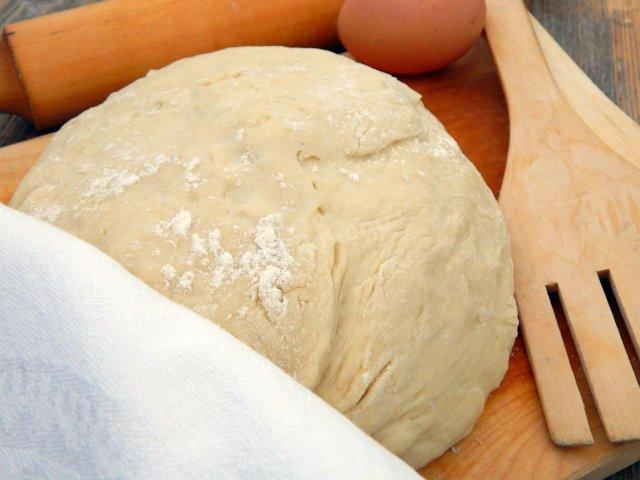 Тесто для булочек на молоке с дрожжами