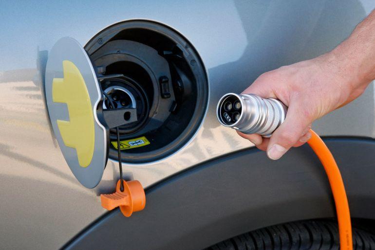 Заряжаемся дома - зарядка для электромобиля