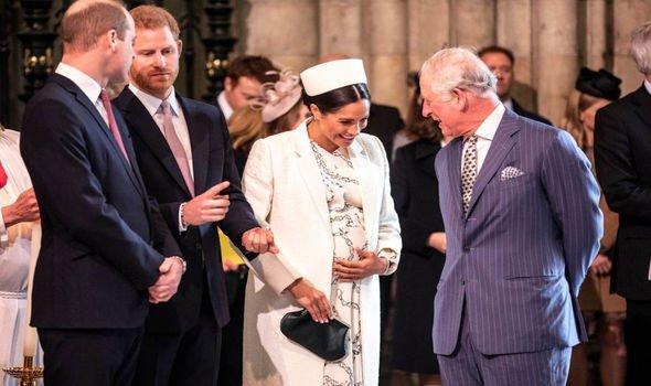 Почти миллион долларов: Принц Чарльз оплатил «беременный» гардероб Меган Маркл