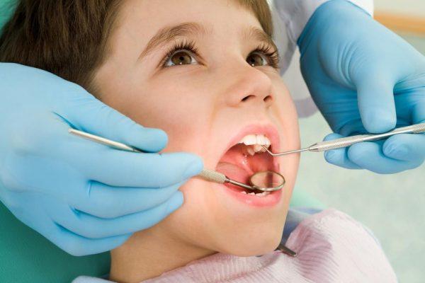 Детский стоматолог клиники «Здравушка» — лечение зубов без нервов