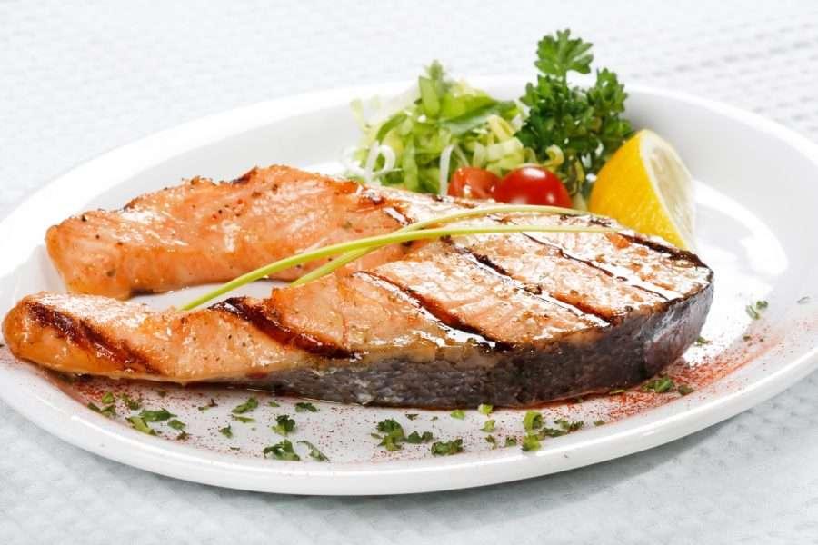 Богатый выбор изысканных  блюд в рыбном ресторане